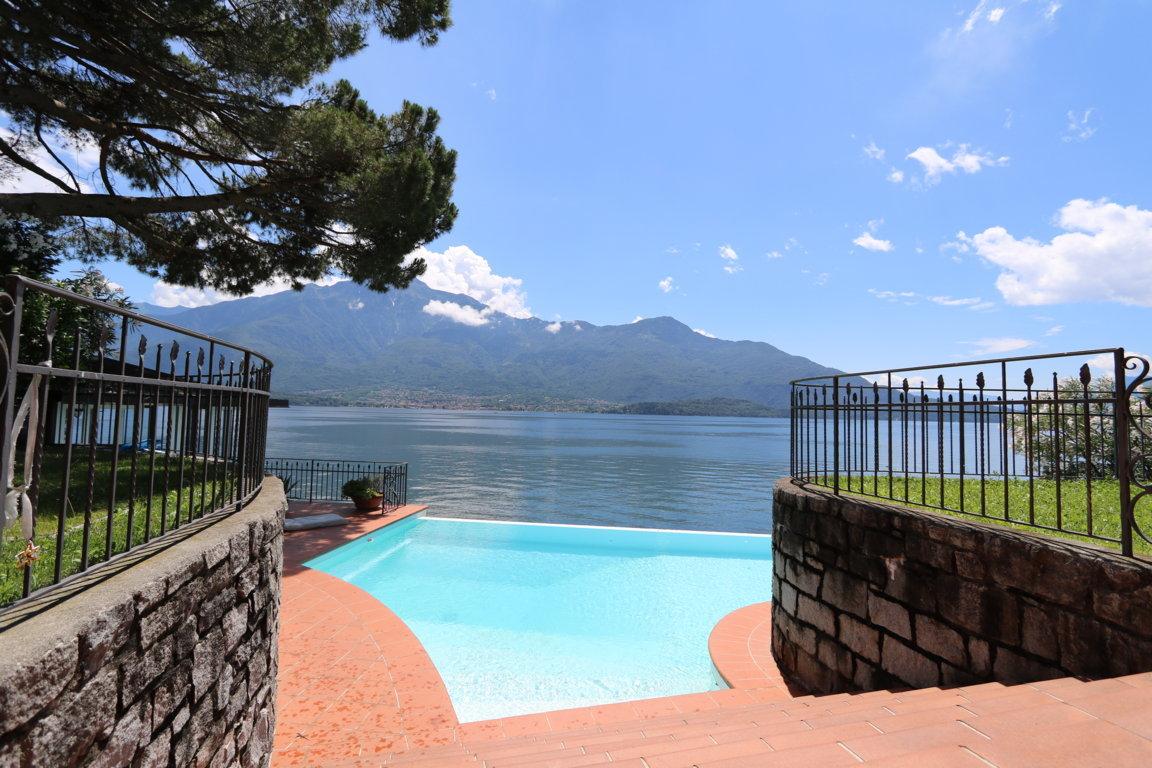 Como Lake_Villa_con_piscina_in_vendita_sul_Lago_di_Como_Casa&Style (1)