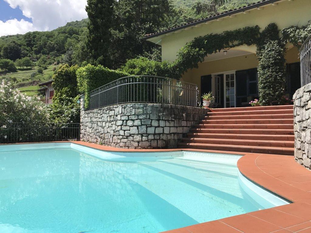 Como Lake_Villa_con_piscina_in_vendita_sul_Lago_di_Como_Casa&Style